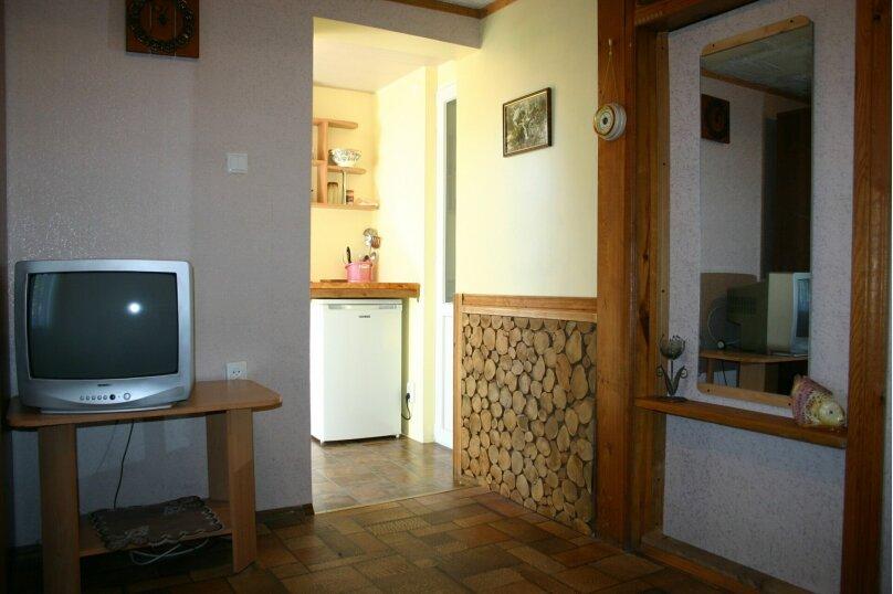 """Гостевой дом """"Прибрежный домик"""", 1 мая , 5 на 2 комнаты - Фотография 19"""