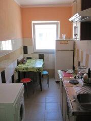 Дом, 60 кв.м. на 10 человек, 3 спальни, Конечный переулок, 1А, Феодосия - Фотография 2
