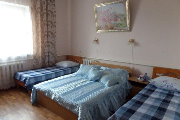 Гостевой дом- номера однокомнатные и двухкомнатные номера, с кухней, улица Пушкина, 55В на 6 номеров - Фотография 1