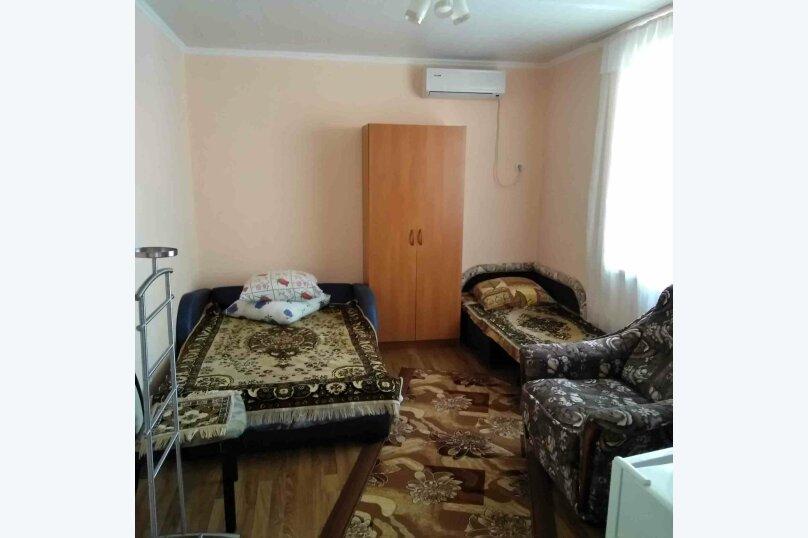 Трехместный номер второй этаж (3), Темрюкская, 7, Голубицкая - Фотография 1