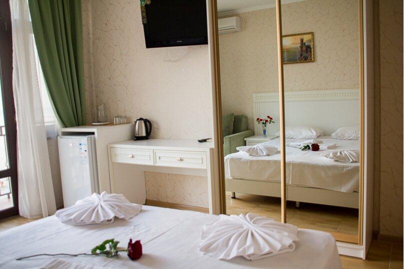 Отдельная комната, Черноморская набережная, 36В, Феодосия - Фотография 1