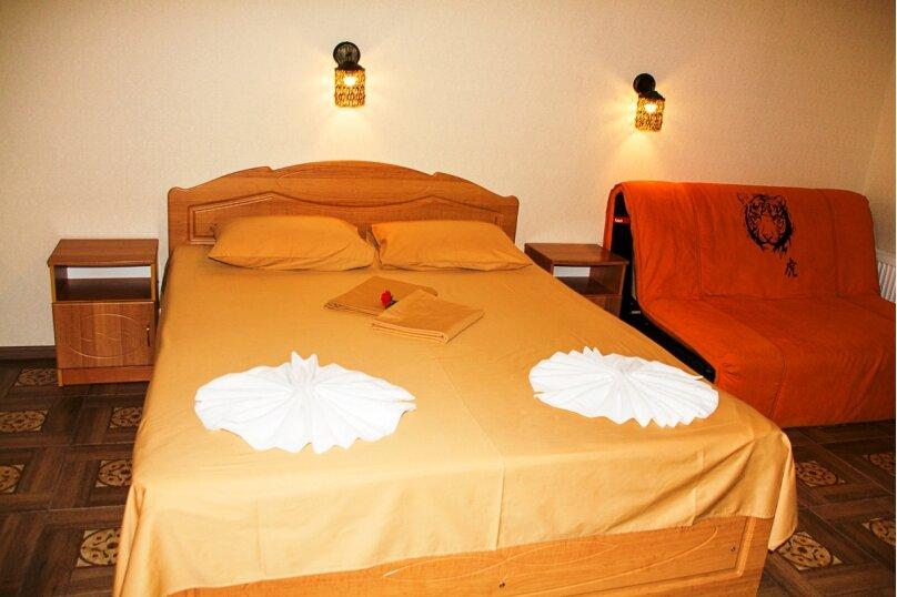 Семейный Люкс с ванной 32 кв.м., Черноморская набережная, 36В, Феодосия - Фотография 5