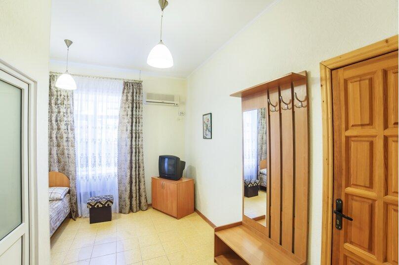 Частный дом, 110 кв.м. на 10 человек, 3 спальни, Крутой спуск, 12А, Алупка - Фотография 9