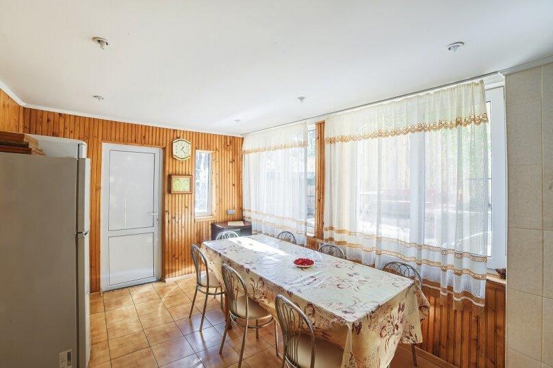 Частный дом, 110 кв.м. на 10 человек, 3 спальни, Крутой спуск, 12А, Алупка - Фотография 11