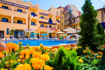 Отель, Черноморская набережная на 40 номеров - Фотография 1