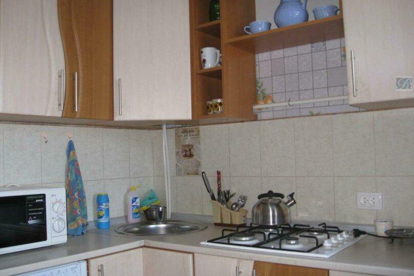 2-комн. квартира, 42 кв.м. на 4 человека, Нахимова, 25, поселок Орджоникидзе, Феодосия - Фотография 1