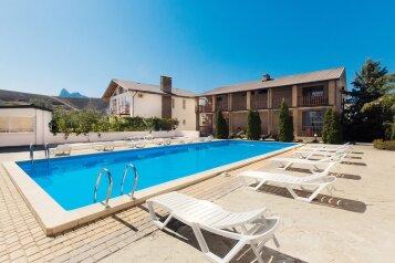 Отель с бассейном и парковкой, Школьный переулок, 1Ж на 40 номеров - Фотография 1