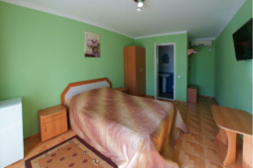 2-х местный в 2-х этажном коттедже, Черноморский тупик, 8, Феодосия - Фотография 1