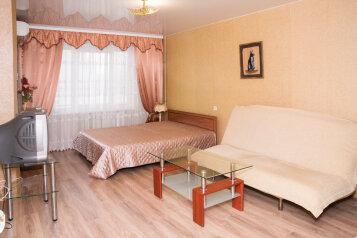 2-комн. квартира, 42 кв.м. на 4 человека, проспект Героев Сталинграда, Севастополь - Фотография 1