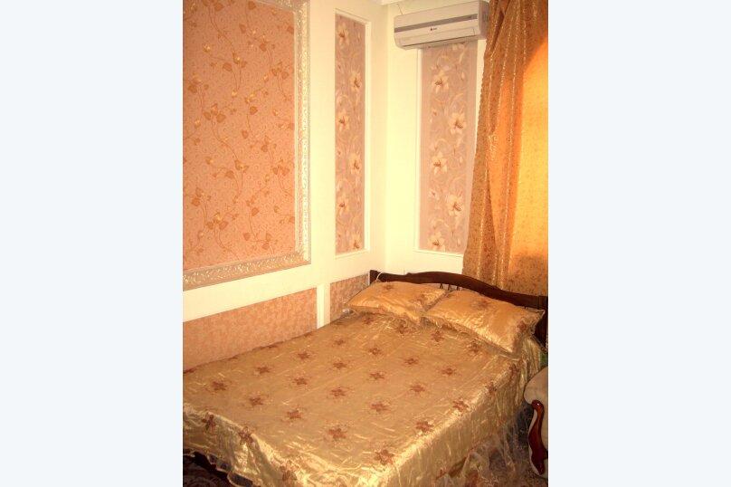 Семейный Люкс на первом этаже (№3)Трехместный + бесплатное доп.место(Двухспальная кровать и раскладной диван), Береговая улица, 15, Заозерное - Фотография 1