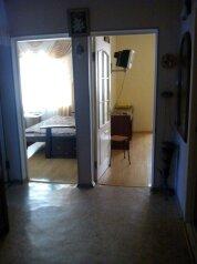 2-комн. квартира, 56 кв.м. на 4 человека, улица Победы, 15, Партенит - Фотография 2