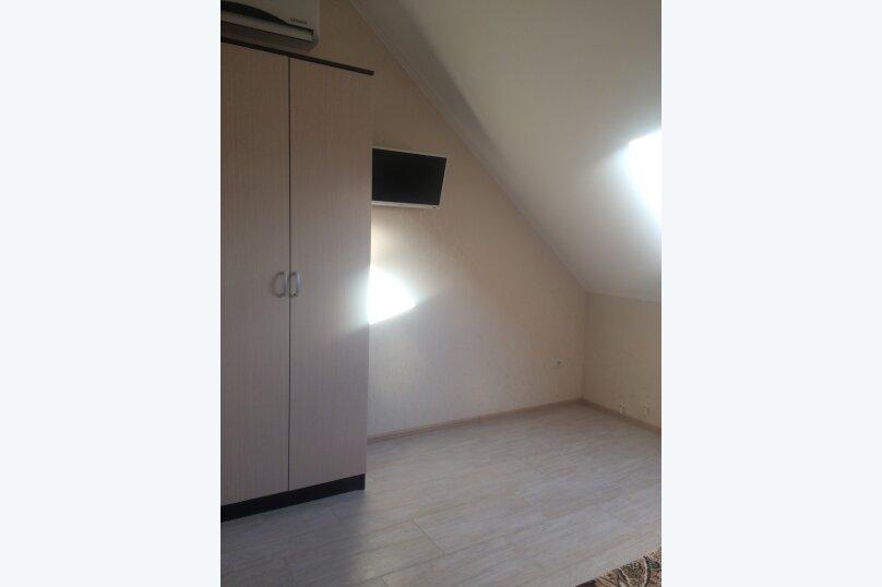 #20 однокомнатный двухместный (мансарда) 4 этаж, Каштановая , 28, район Алчак, Судак - Фотография 1