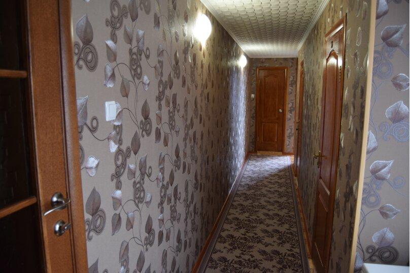 Двухкомнатный четырехместный, улица Шевченко, 1Б, Морское - Фотография 1