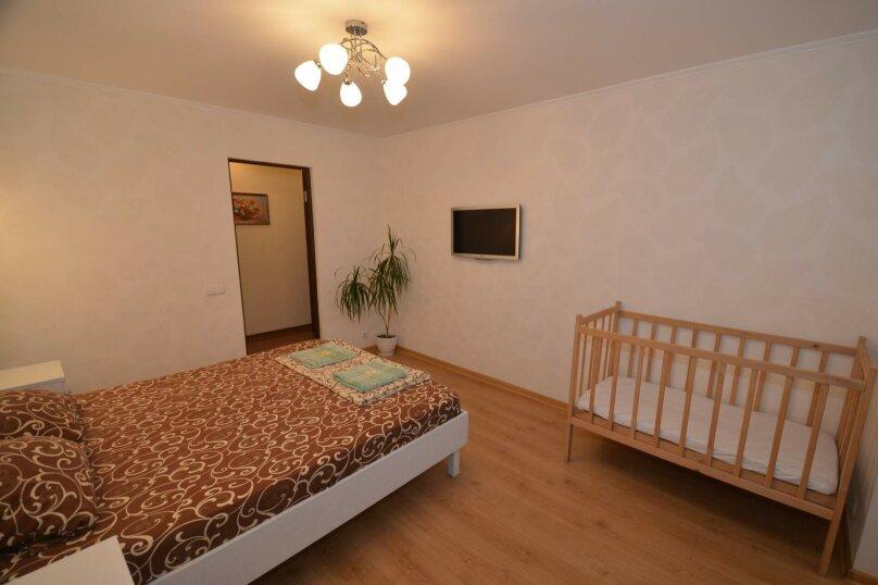 2-комн. квартира, 57 кв.м. на 5 человек, бульвар Старшинова, 25, Феодосия - Фотография 2