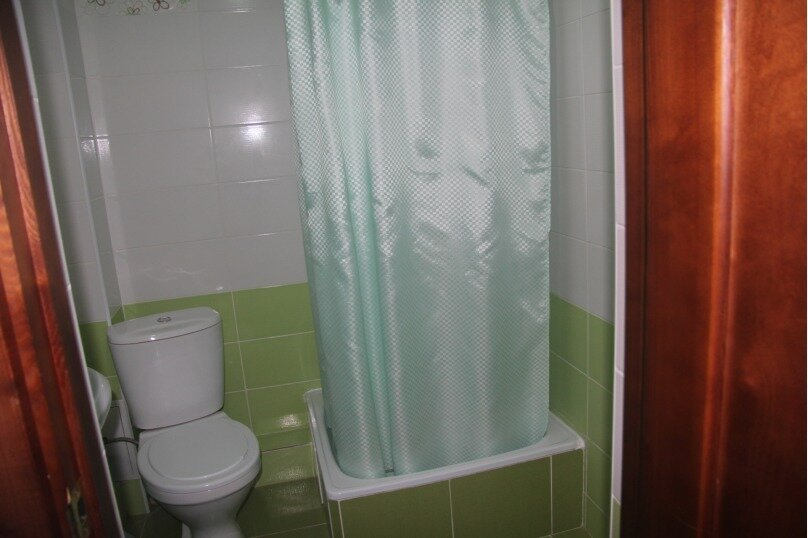 """Гостевой дом """"Венера"""", Высотная улица, 1 на 20 комнат - Фотография 17"""