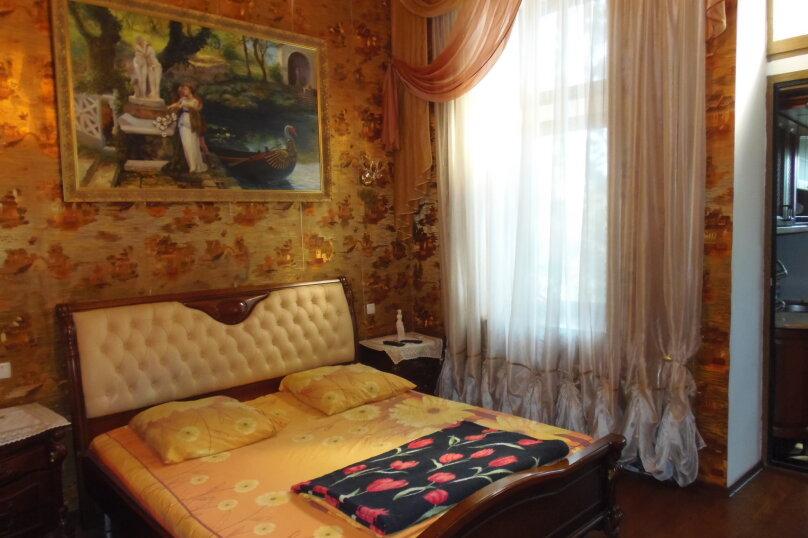 2-комн. квартира, 80 кв.м. на 5 человек, улица Кирова, 13, Ялта - Фотография 17