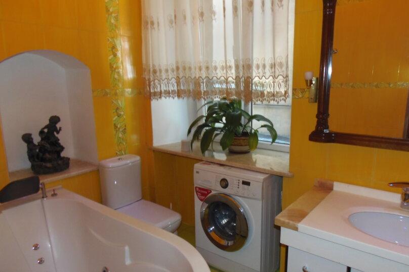 2-комн. квартира, 80 кв.м. на 5 человек, улица Кирова, 13, Ялта - Фотография 20
