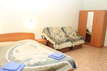 2-комн. квартира, 75 кв.м. на 8 человек, Мучной переулок, 7, метро Сенная пл., Санкт-Петербург - Фотография 2