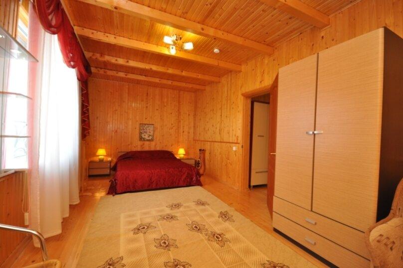 отдельный дом для большой семьи или для большой компании, Жердева, 60, Черноморское - Фотография 1