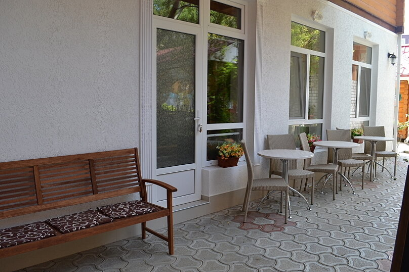 """Гостиница """"Ассоль"""", улица Агафонова, 68 на 25 комнат - Фотография 3"""