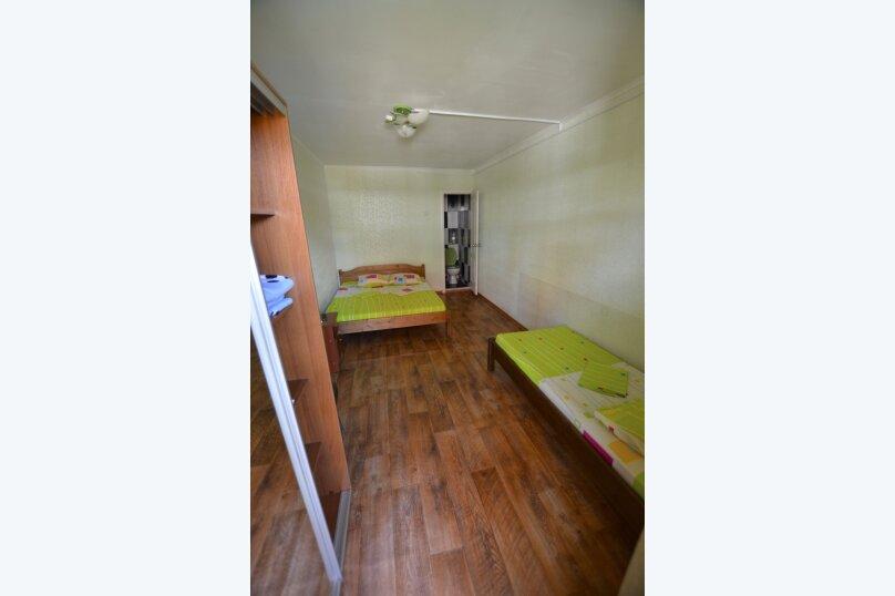 Однокомнатный трехместный номер, Коммунальная улица, 8, Судак - Фотография 1