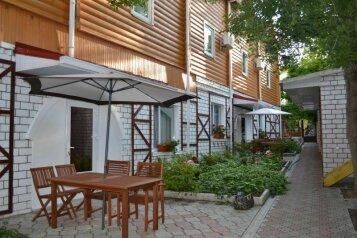 """Гостиница """"Ассоль"""", улица Агафонова, 68 на 25 комнат - Фотография 1"""