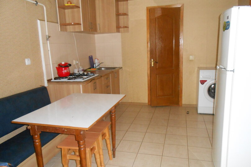 2-комн. квартира, 40 кв.м. на 5 человек, улица Пушкина, 63, Евпатория - Фотография 1