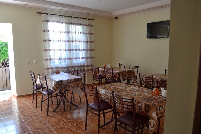 """Гостевой дом """"Одиссей"""", Мирный переулок, 8 на 10 комнат - Фотография 2"""