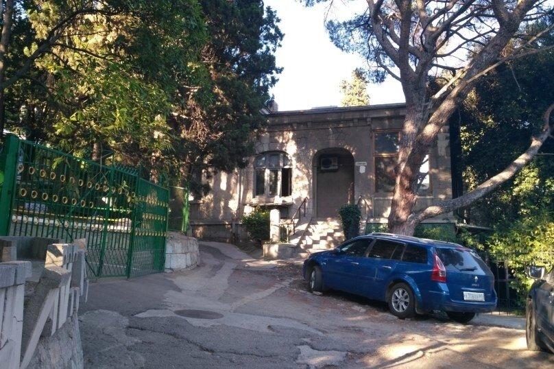 2-комн. квартира, 80 кв.м. на 5 человек, улица Кирова, 13, Ялта - Фотография 24