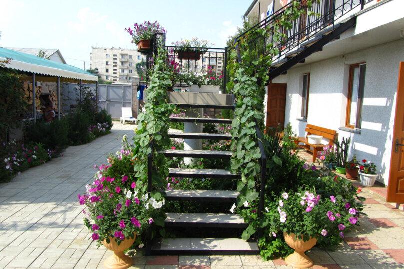 """Гостевой дом """"River-Place"""", улица Комарова, 15В на 13 комнат - Фотография 3"""