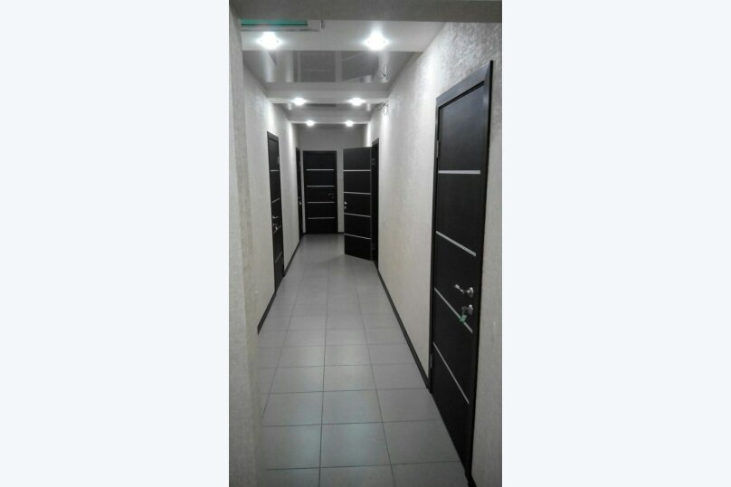 Трехместный люкс / 3 этаж, Рабочая улица, 20, Архипо-Осиповка - Фотография 1