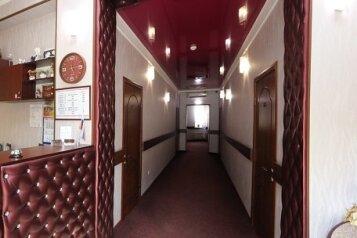 Отель, улица Лермонтова на 11 номеров - Фотография 1