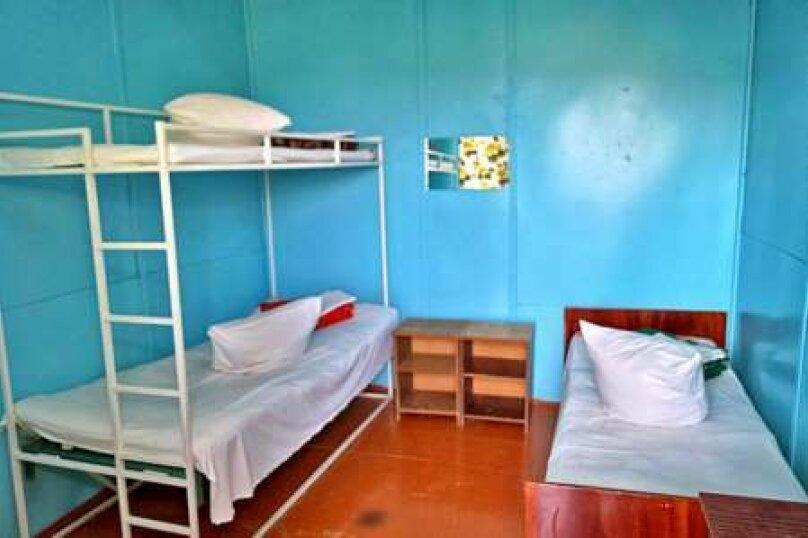 Койко-место в общем трехместном номере, улица Шмидта, 43, Бахчисарай - Фотография 1