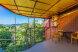 Семейный ,состоящий из трех номеров и своей кухней столовой, Партизанская улица, Дивноморское с балконом - Фотография 13