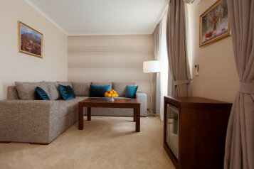 Стандартный двухместный номер:  Номер, 3-местный (2 основных + 1 доп), Отель, Цветочная , 1 на 18 номеров - Фотография 4