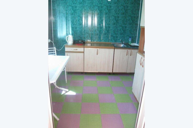 Гостиница 803970, Октябрьский пер, 5 на 5 комнат - Фотография 2