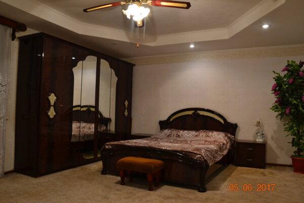 Коттедж, 360 кв.м. на 8 человек, 4 спальни, Дубровская улица, 7, Астрахань - Фотография 1