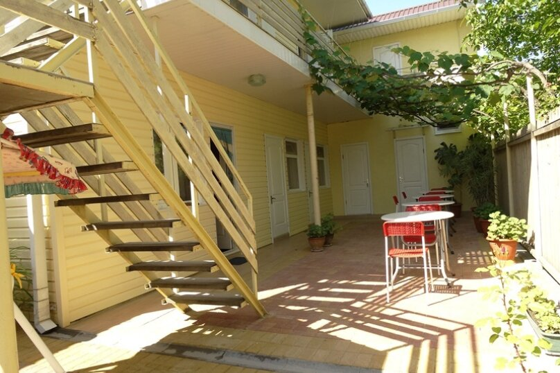 Гостевой дом Солнечный, Таманский проезд, 9 на 12 комнат - Фотография 5