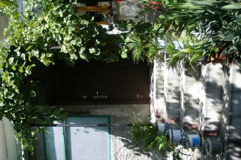 Этаж в доме, 40 кв.м. на 4 человека, Беломорский переулок, 6, Феодосия - Фотография 1