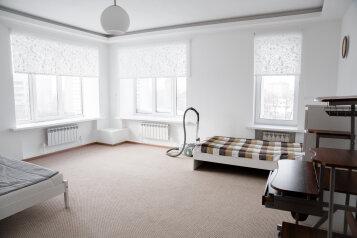 2-комн. квартира, 60 кв.м. на 5 человек, улица Столярова, 7, Казань - Фотография 2