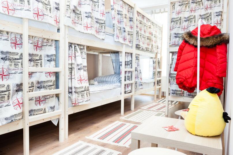 Кровать в общем 8-местном номере, улица Жуковского, 14/18, Домодедово - Фотография 1