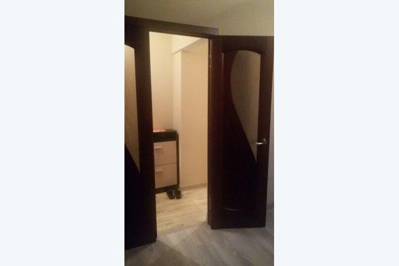 1-комн. квартира, 30 кв.м. на 4 человека, улица Акиртава, 38, Сухум - Фотография 2