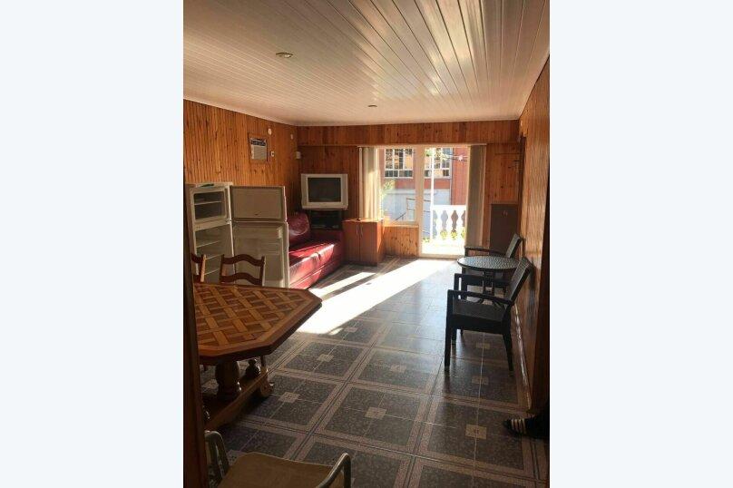 Гостевой дом на Херсонской 75, Херсонская улица, 75 на 5 комнат - Фотография 2