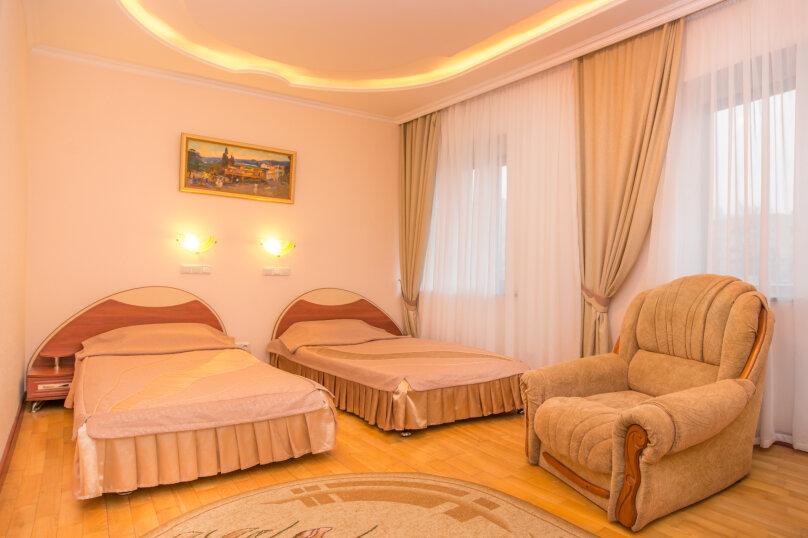 Стандарт однокомнатный, двухместный с раздельными кроватями , улица Декабристов, 17А, Симферополь - Фотография 1