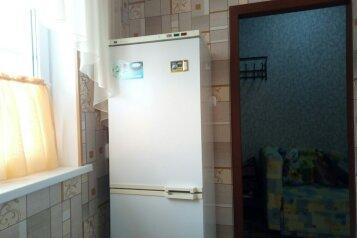 Гостевой дом, улица Сергея Романа, 46 на 2 номера - Фотография 2