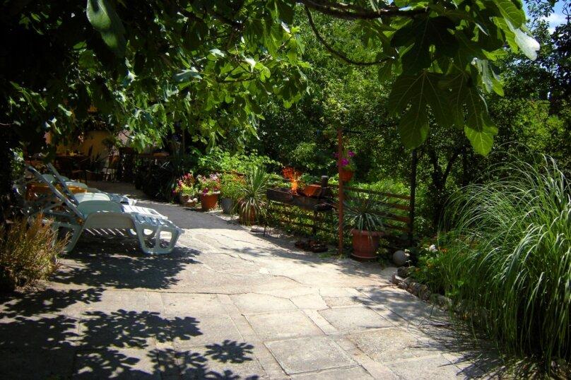 Дом в Гаспре с большим персональным двором, садом, 80 кв.м. на 6 человек, 2 спальни, Севастопольское шоссе, 10, Гаспра - Фотография 4