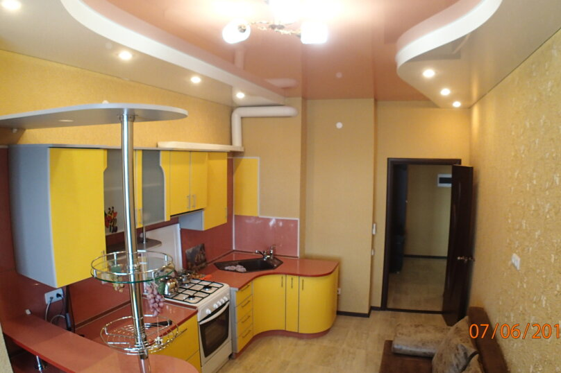 1-комн. квартира, 50 кв.м. на 4 человека, улица Луначарского, 114, Геленджик - Фотография 1