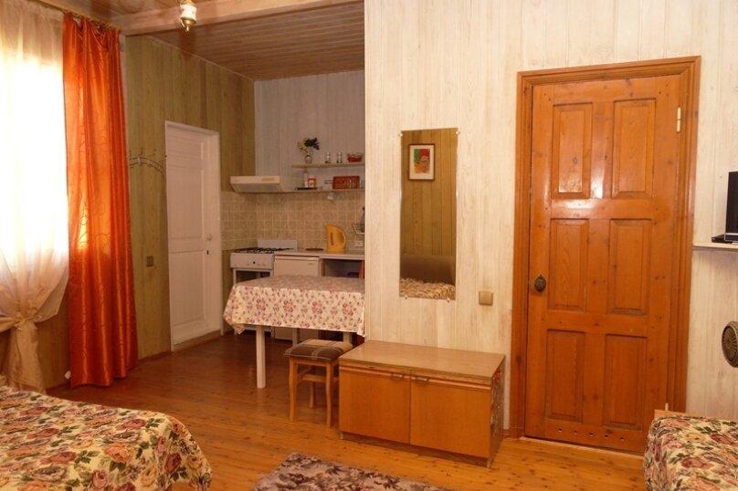 Отдельная комната, Таманский проезд, 9, село Сукко - Фотография 1