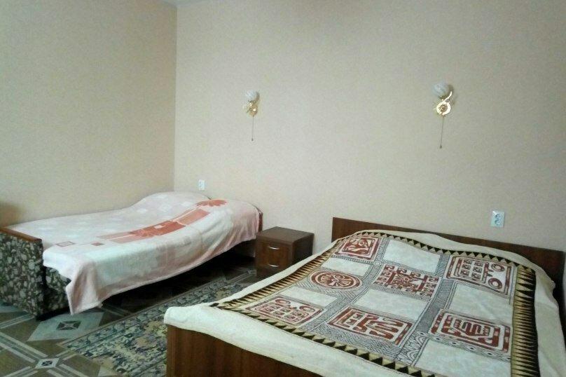 Отдельная комната, улица Сергея Романа, 46, Ейск - Фотография 1