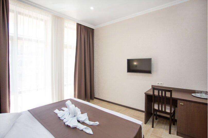 Отель  Coral, Золотые пески, 7 на 10 номеров - Фотография 2